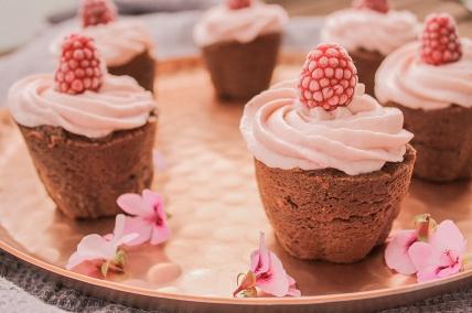 Die süßen Cupcakes eignen sich auch ideal für einen Mädelsabend
