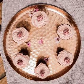 Die Cheesecake Cupcakes machen aus jeder Perspektive eine gute Figur