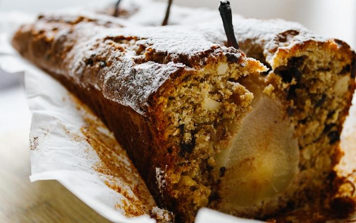 Weißer Schokoladenkuchen mit Birne