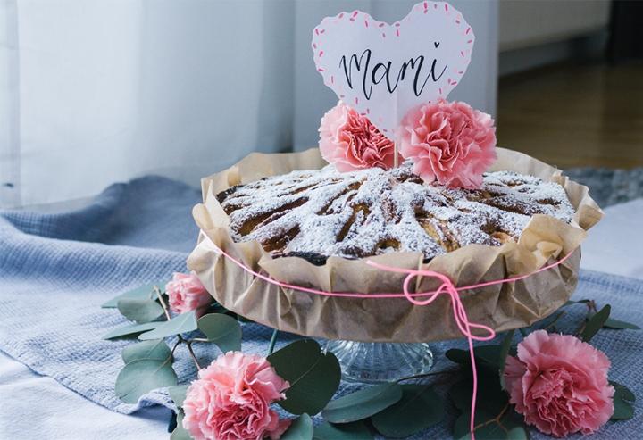Apfelkuchen mit weißer Schokolade undTonkabohne