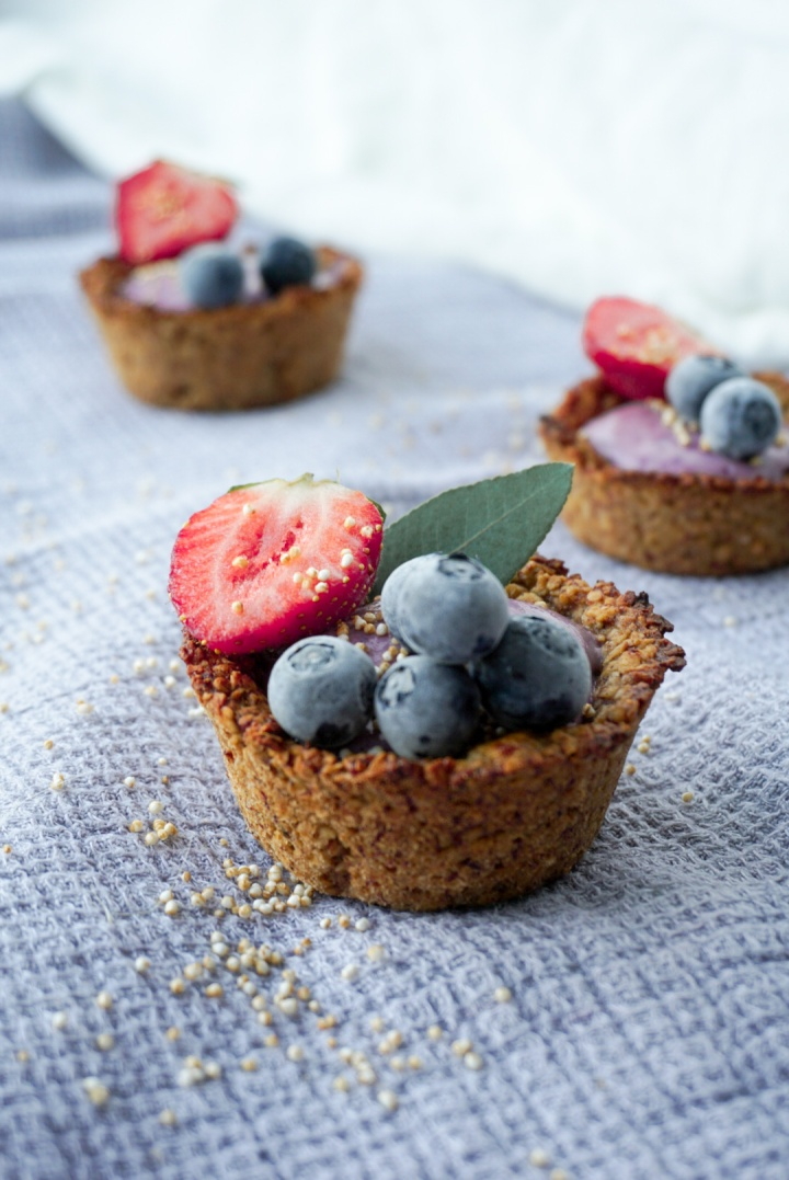 berry-granola-cups1